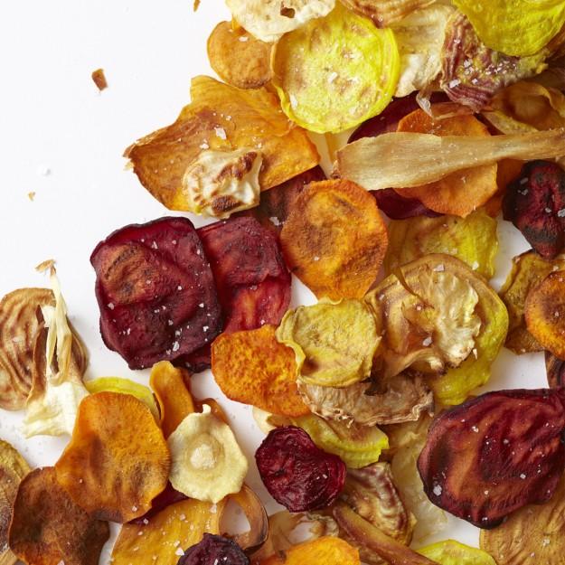 И ако да си мислите, че нашумелите напоследък зеленчукови чипсове от моркови, пащърнак, червено цвекло и т.н. са по-добрата алтернатива на картофените чипсове - затаете дъх